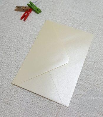 Pearlescent Cream Metallic C6 Envelopes Diamond Flap